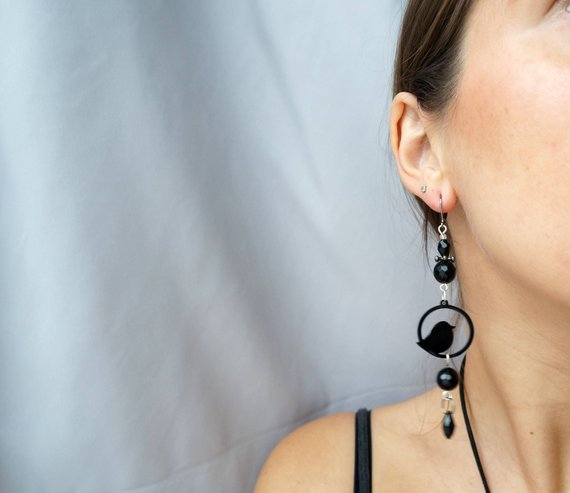 Black bird dangling earrings GG unique