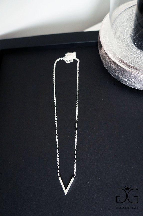 V minimal necklace - GG UNIQUE