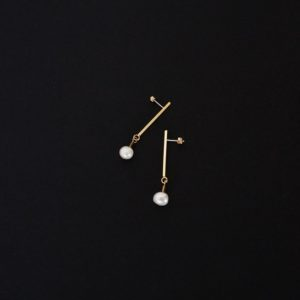 Freshwater pearl stick earrings - GG UNIQUE