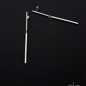 Long rhodium plated stick earrings GG UNIQUE